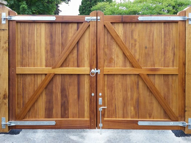 Garden gates driveway gates gates in salisbury our gate installations solutioingenieria Image collections